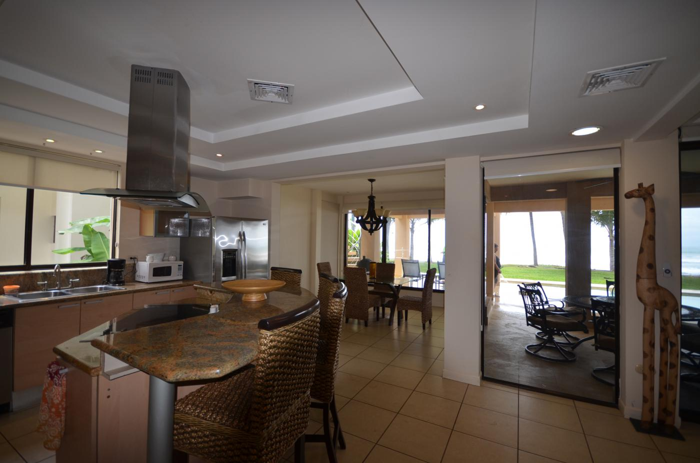 Beautiful Ocean Front Home For Sale. (2)
