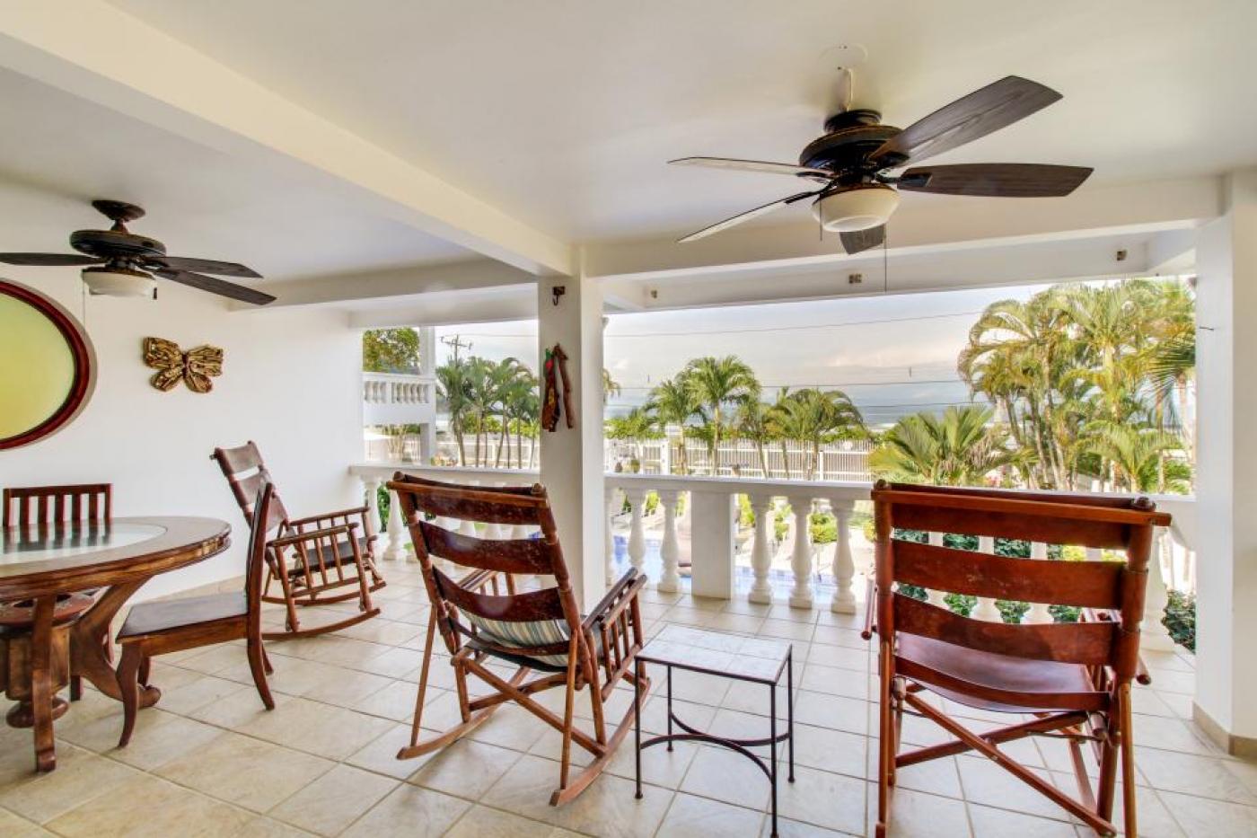 Luxury Beach Condo For Sale A1 (1)