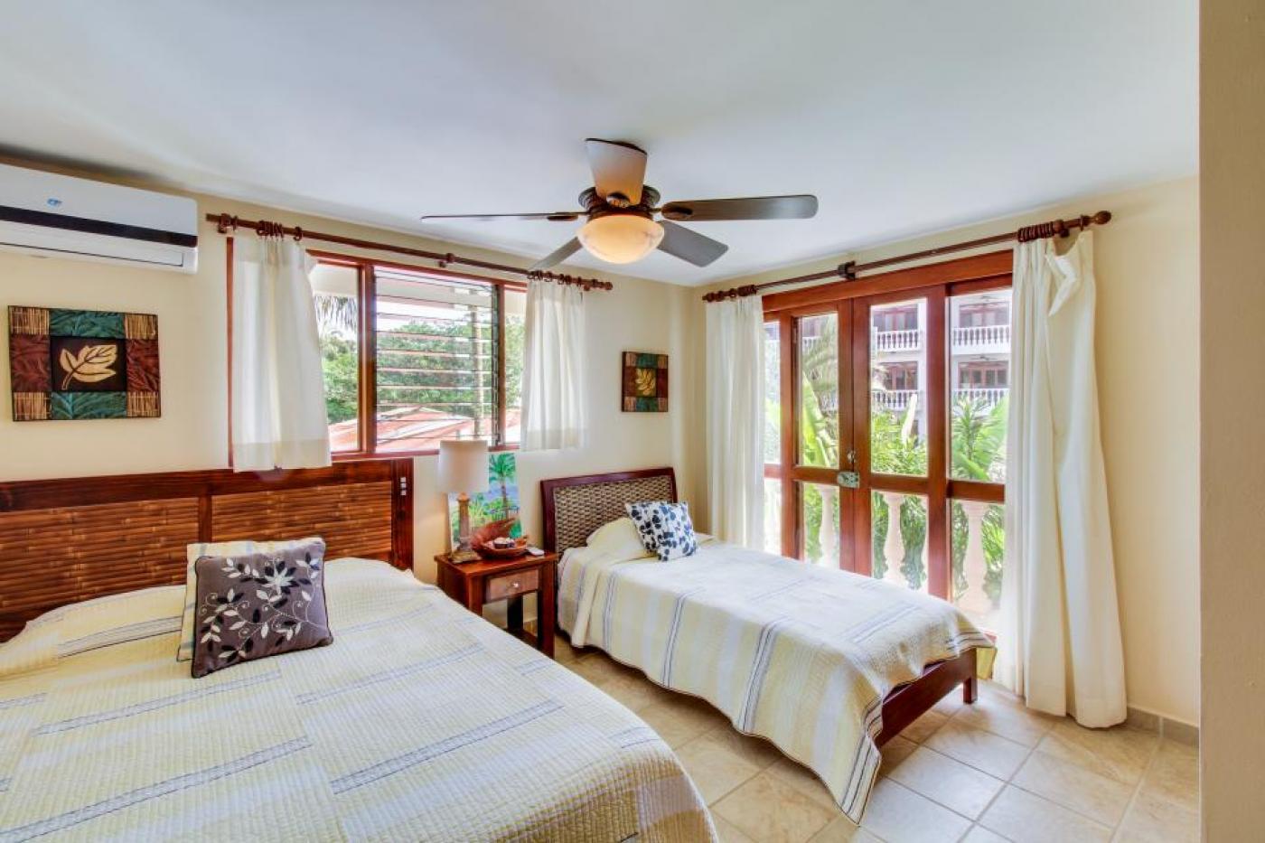 Luxury Beach Condo For Sale A1 (5)