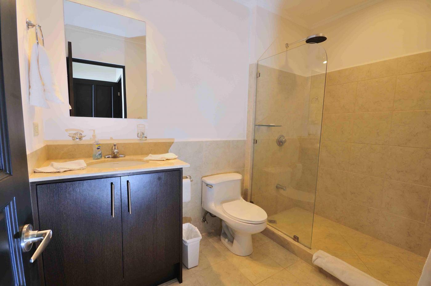 Luxury oceanfront condo For Sale 803 (6)