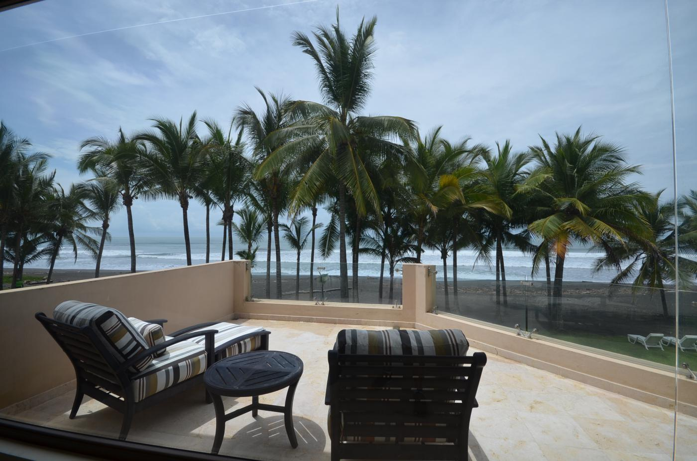 Title Luxury Ocean Front home For Sale (3)
