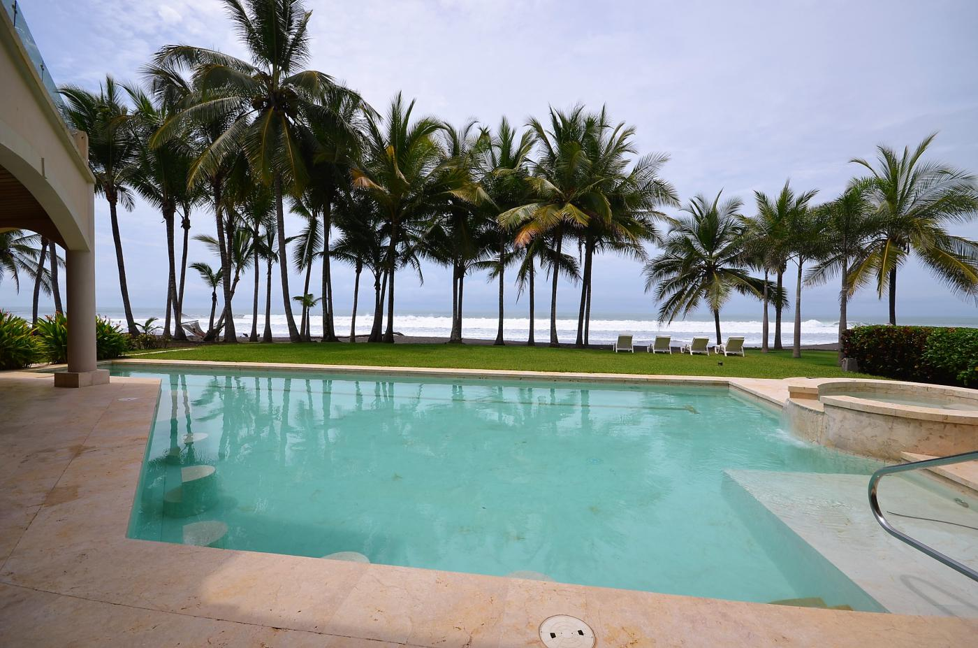 Title Luxury Ocean Front home For Sale (7)