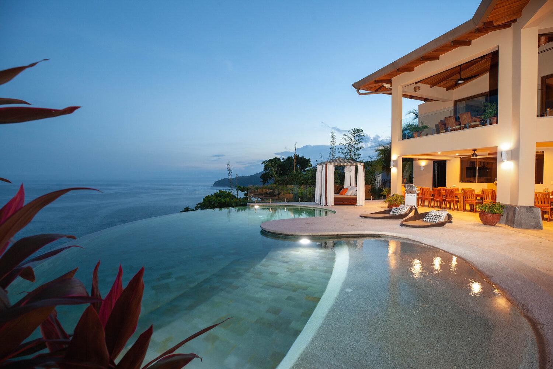 Casa Faro Azul