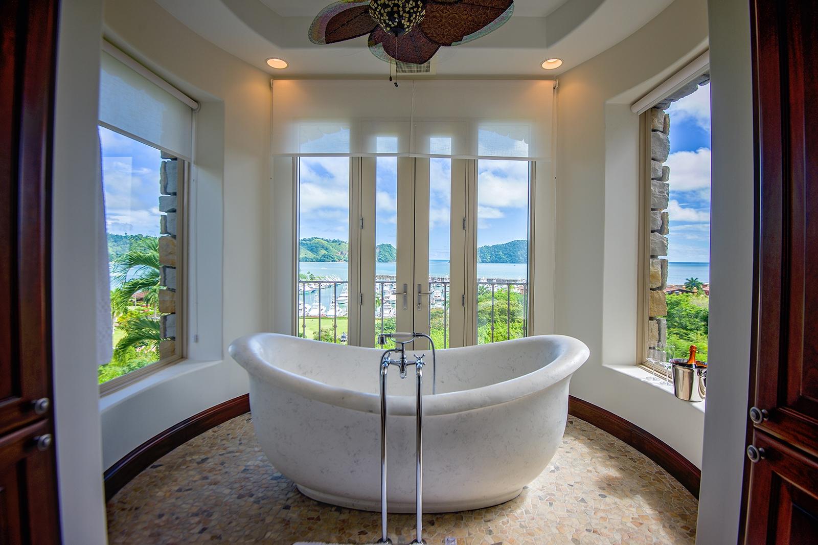 Costa Rica Luxury Life Style h