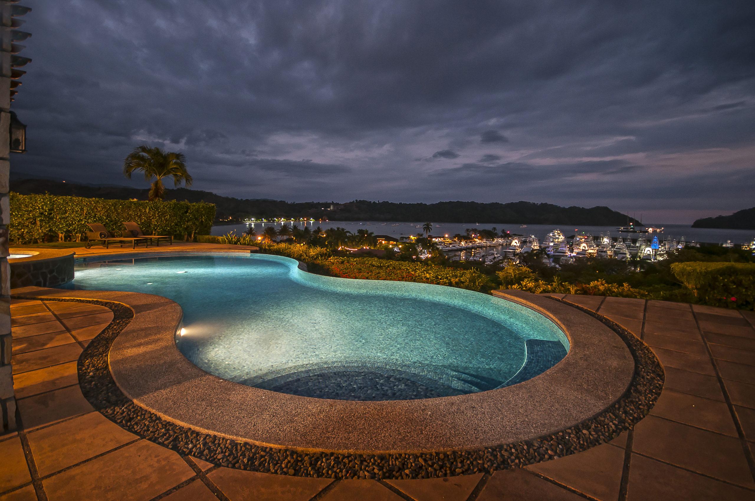 Costa Rica Luxury Life Style u